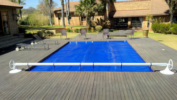 Swimming pool Thermal Covers and rollstations 1